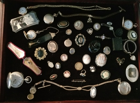 Mourning jewelry, pocket watches, coffin plate